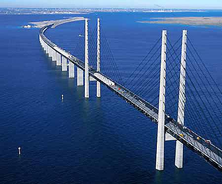 Öresund bridge links Malmö to Köpenhamn