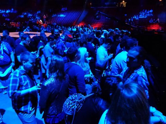 1-arena-fans.jpg